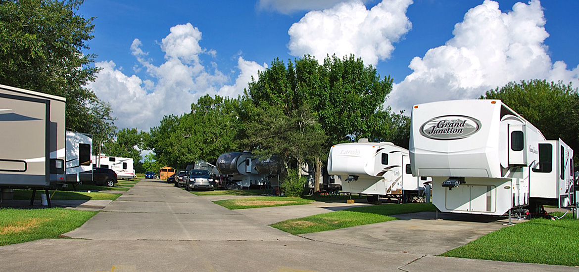 View of campsites at Houston East RV Resort